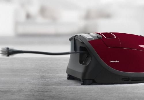 Пылесос Miele SGDA3 Complete C3 ежевичный красный